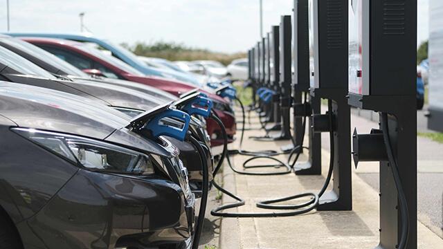 Os benefícios económicos e de poupança de carbono devido à tecnologia de ligação do veículo à rede eléctrica